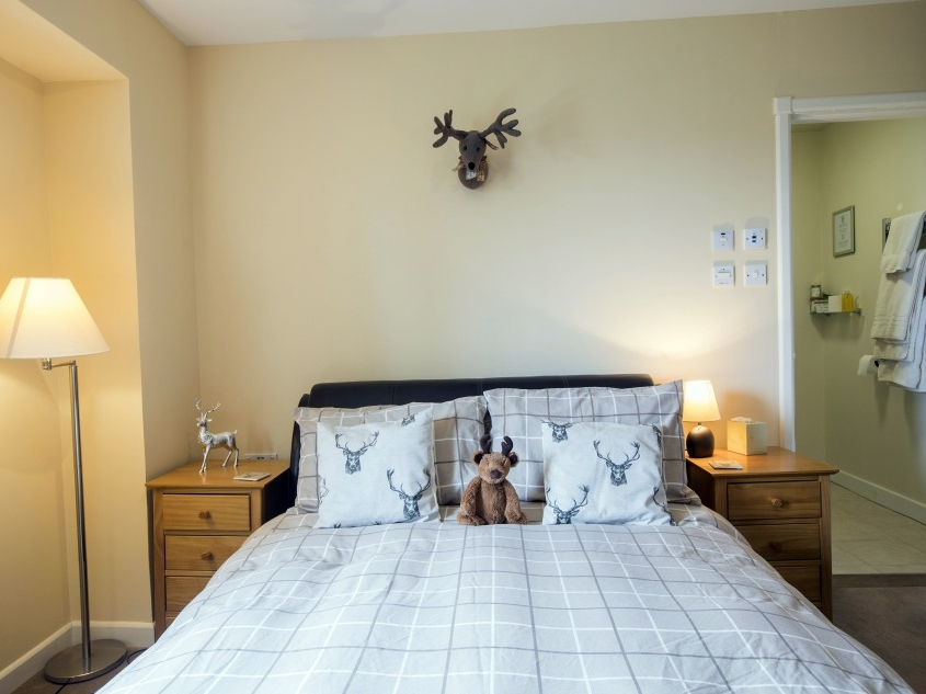 Rowan Bedroom En-suite (Deer Theme)